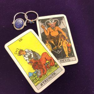 タロットカード:力、悪魔