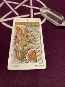 タロットカード:ソード 8の正位置