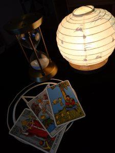 タロットカード:法王、節制、カップ4