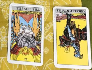 タロットカード:恋人たちの逆位置、ペンタクル(金貨)ナイトの逆位置