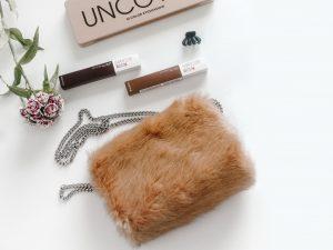 7月生まれのラッキーアイテム:茶色のバッグ・財布