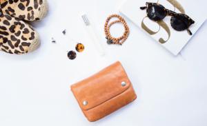 6月生まれのラッキーアイテム:茶色の財布・バッグ