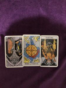 タロットカード:運命の輪正位置