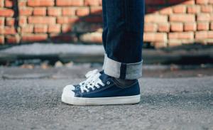 9月生まれのラッキーアイテム:青色の靴
