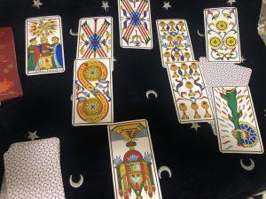 タロットカード:カップ8、カップ7、恋人、ペンタクルス3、ワンドA