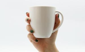8月生まれのラッキーアイテム:白のマグカップ