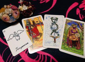 タロットカード:棒3の逆位置、剣エース、金貨のキング