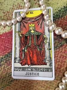 タロットカード:正義の正位置